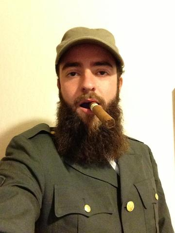 2.Fidel Castro  sc 1 st  Beard and Company & More Halloween Costume Ideas for Guys with Beards - Beard and ...